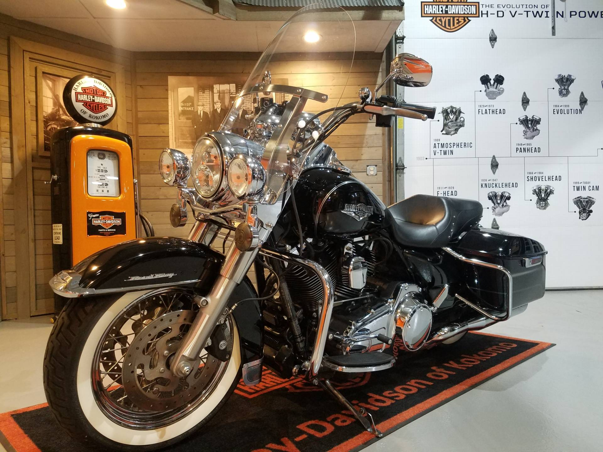 2014 Harley-Davidson Road King® in Kokomo, Indiana - Photo 8