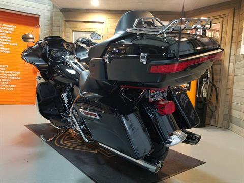 2019 Harley-Davidson Road Glide® Ultra in Kokomo, Indiana - Photo 9