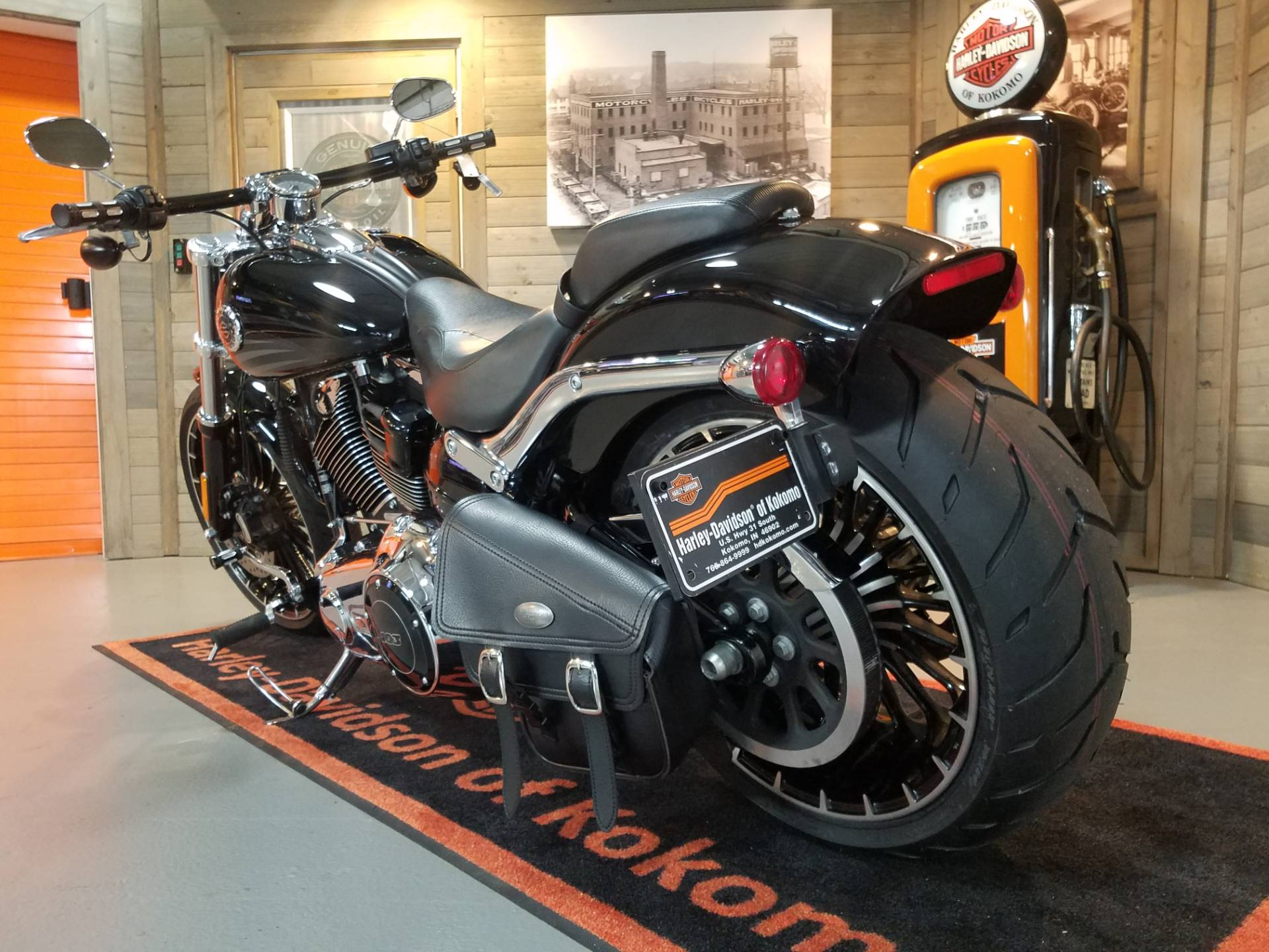 2017 Harley-Davidson Breakout® in Kokomo, Indiana - Photo 10