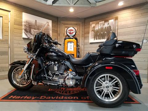 2017 Harley-Davidson Tri Glide® Ultra in Kokomo, Indiana - Photo 6