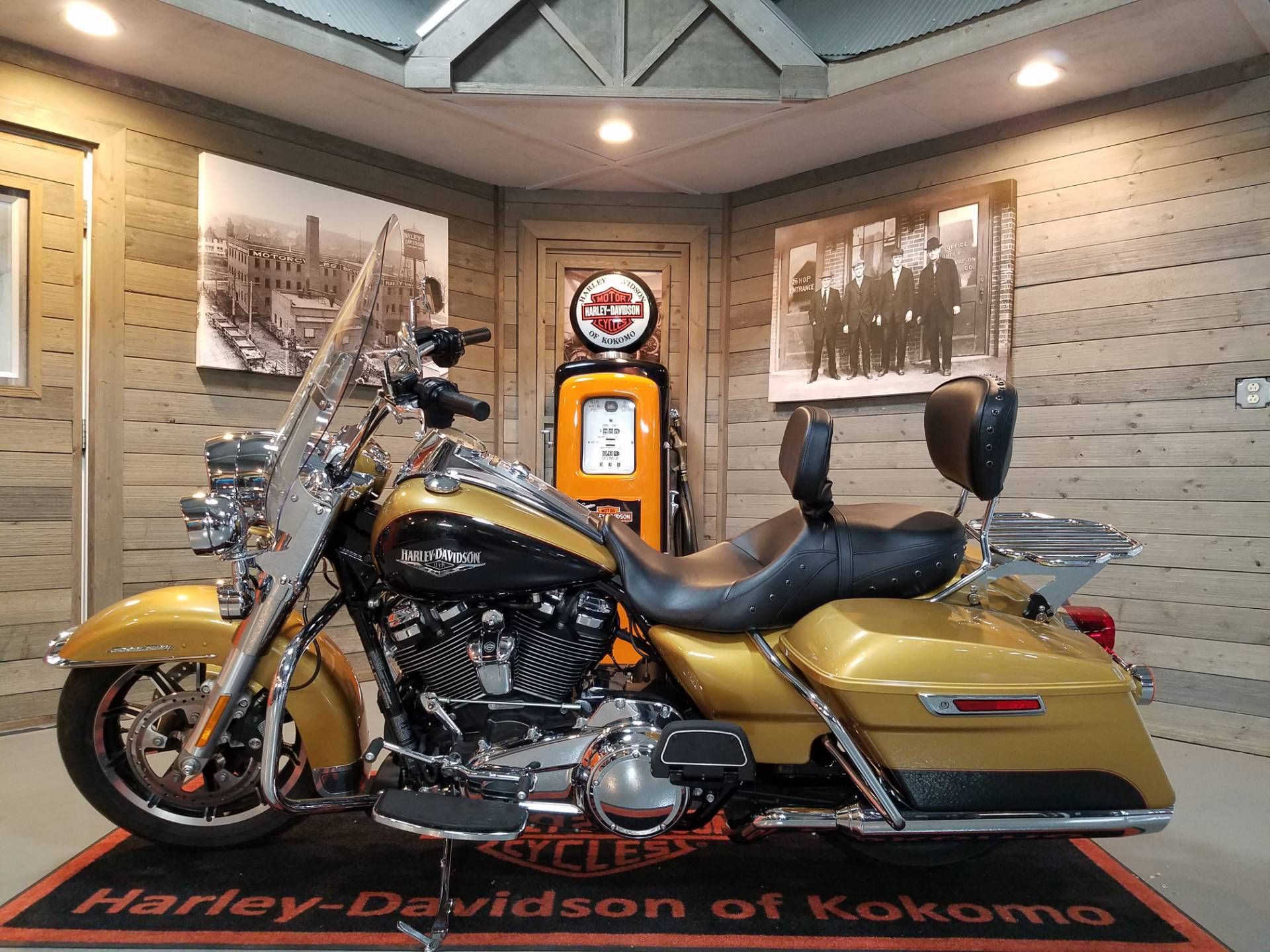 2017 Harley-Davidson Road King® in Kokomo, Indiana - Photo 7