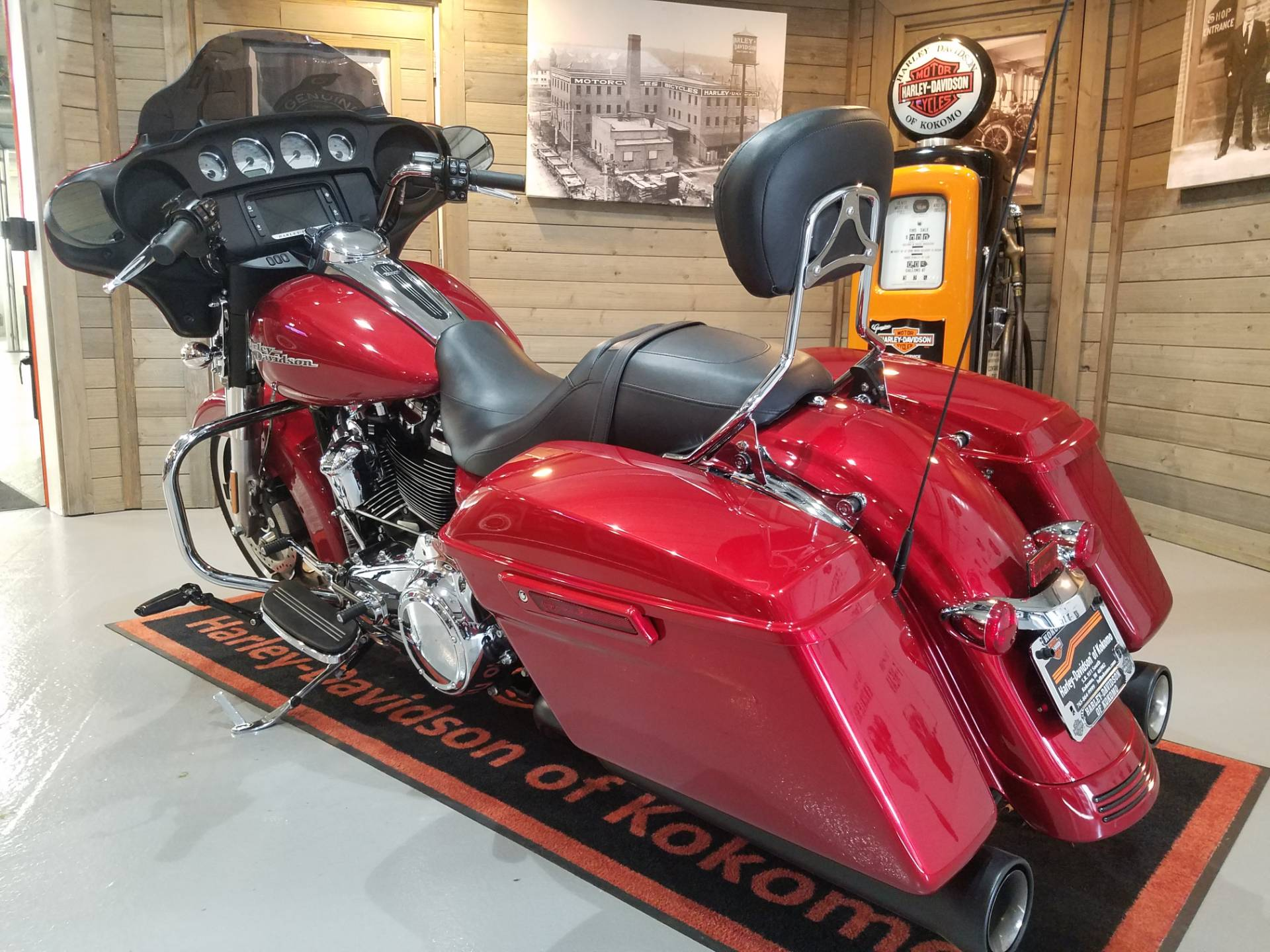 2018 Harley-Davidson Street Glide® in Kokomo, Indiana - Photo 9