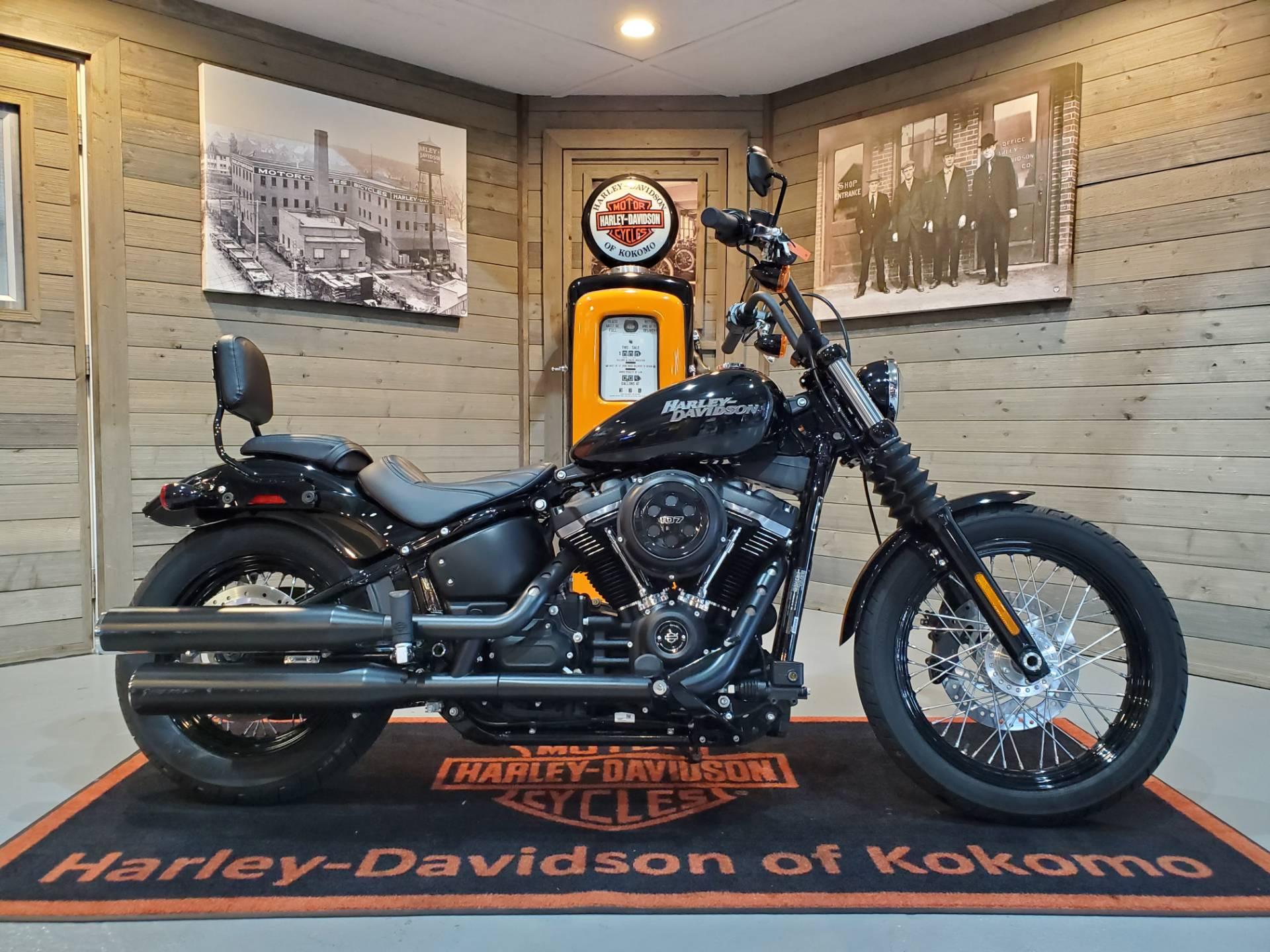 Used 2019 Harley Davidson Street Bob Motorcycles In Kokomo In B073394 Vivid Black