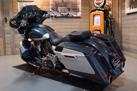 2019 Harley-Davidson CVO™ Street Glide® in Kokomo, Indiana - Photo 11