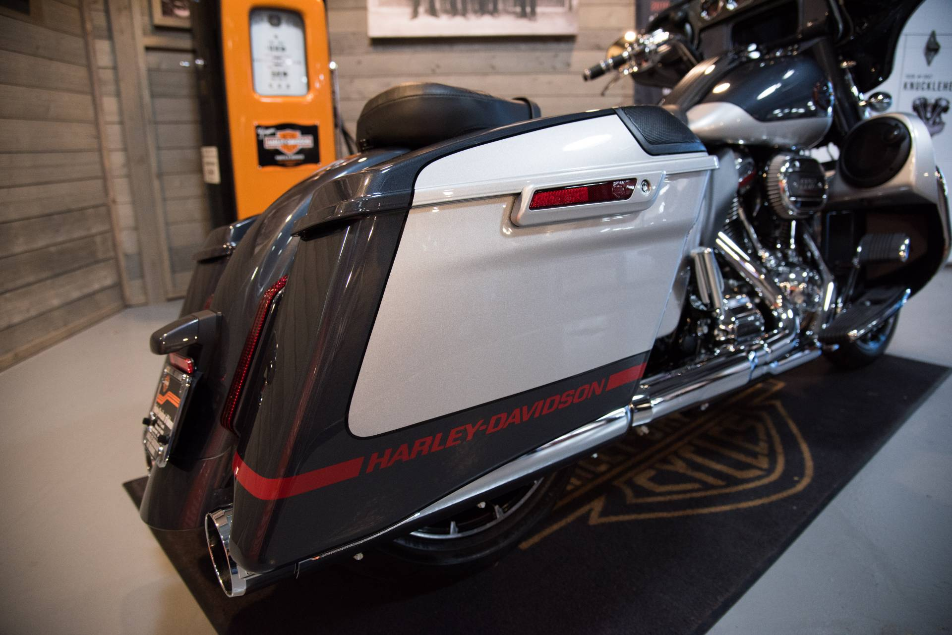 2019 Harley-Davidson CVO™ Street Glide® in Kokomo, Indiana - Photo 19