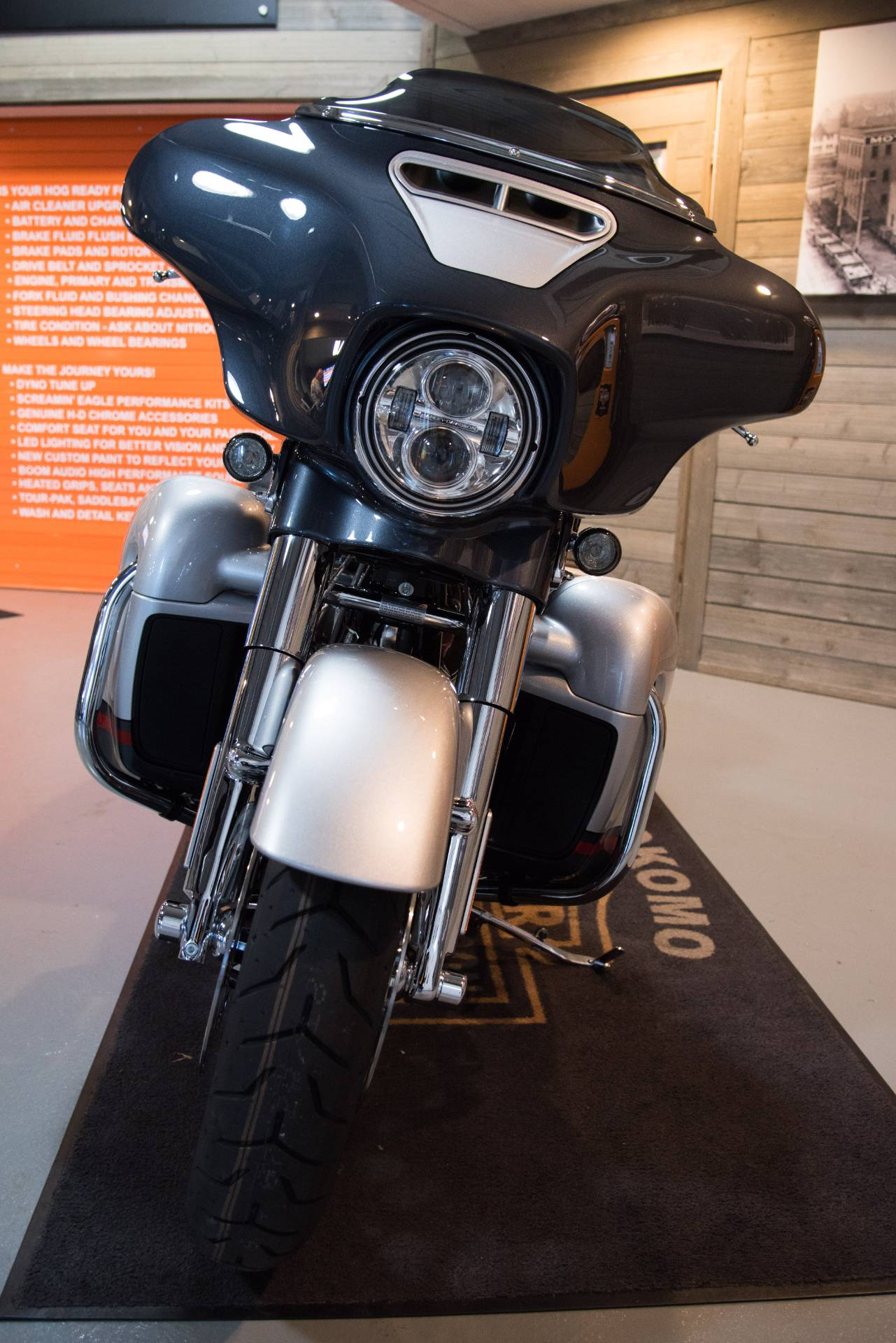 2019 Harley-Davidson CVO™ Street Glide® in Kokomo, Indiana - Photo 12