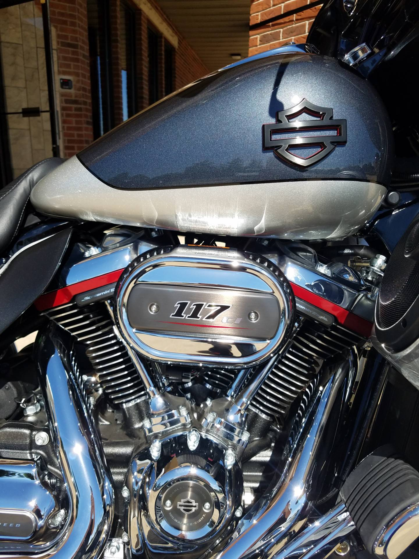 2019 Harley-Davidson CVO™ Street Glide® in Kokomo, Indiana - Photo 8