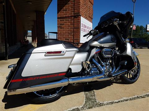 2019 Harley-Davidson CVO™ Street Glide® in Kokomo, Indiana - Photo 22