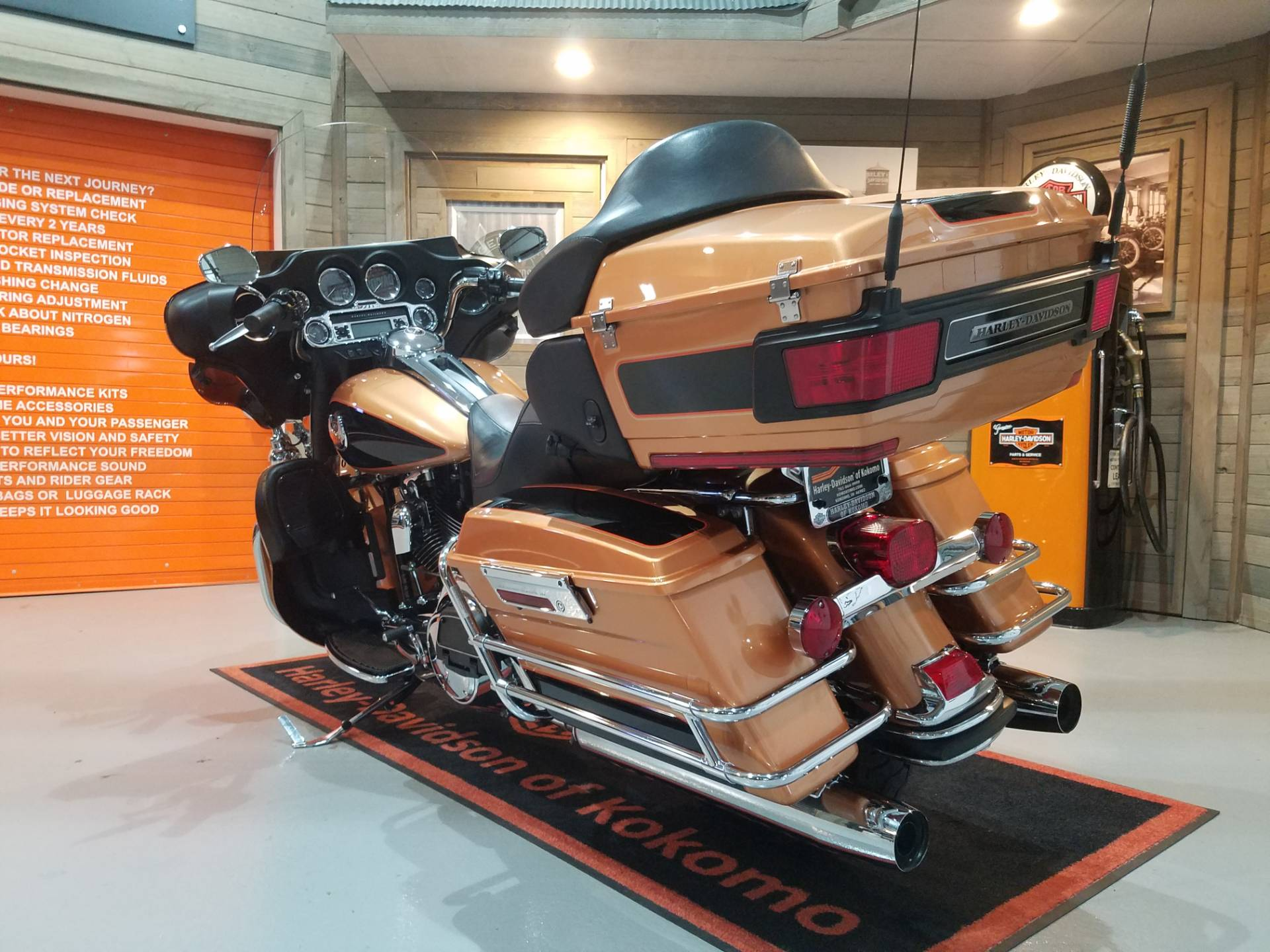 2008 Harley-Davidson Ultra Classic® Electra Glide® in Kokomo, Indiana - Photo 10