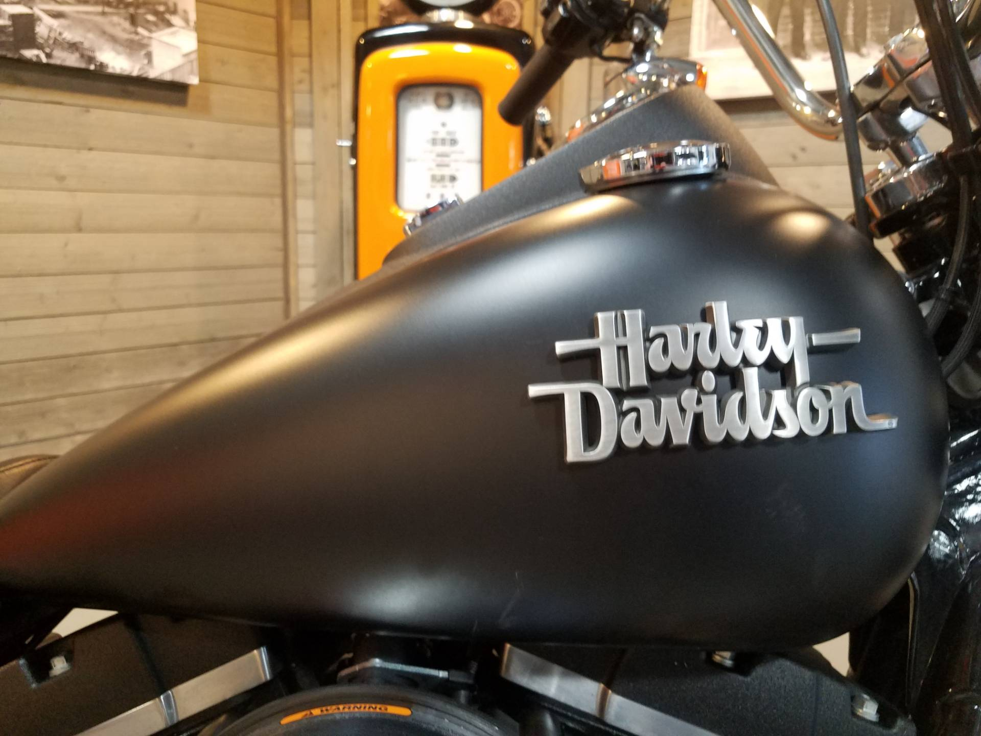 2016 Harley-Davidson Street Bob® in Kokomo, Indiana - Photo 4
