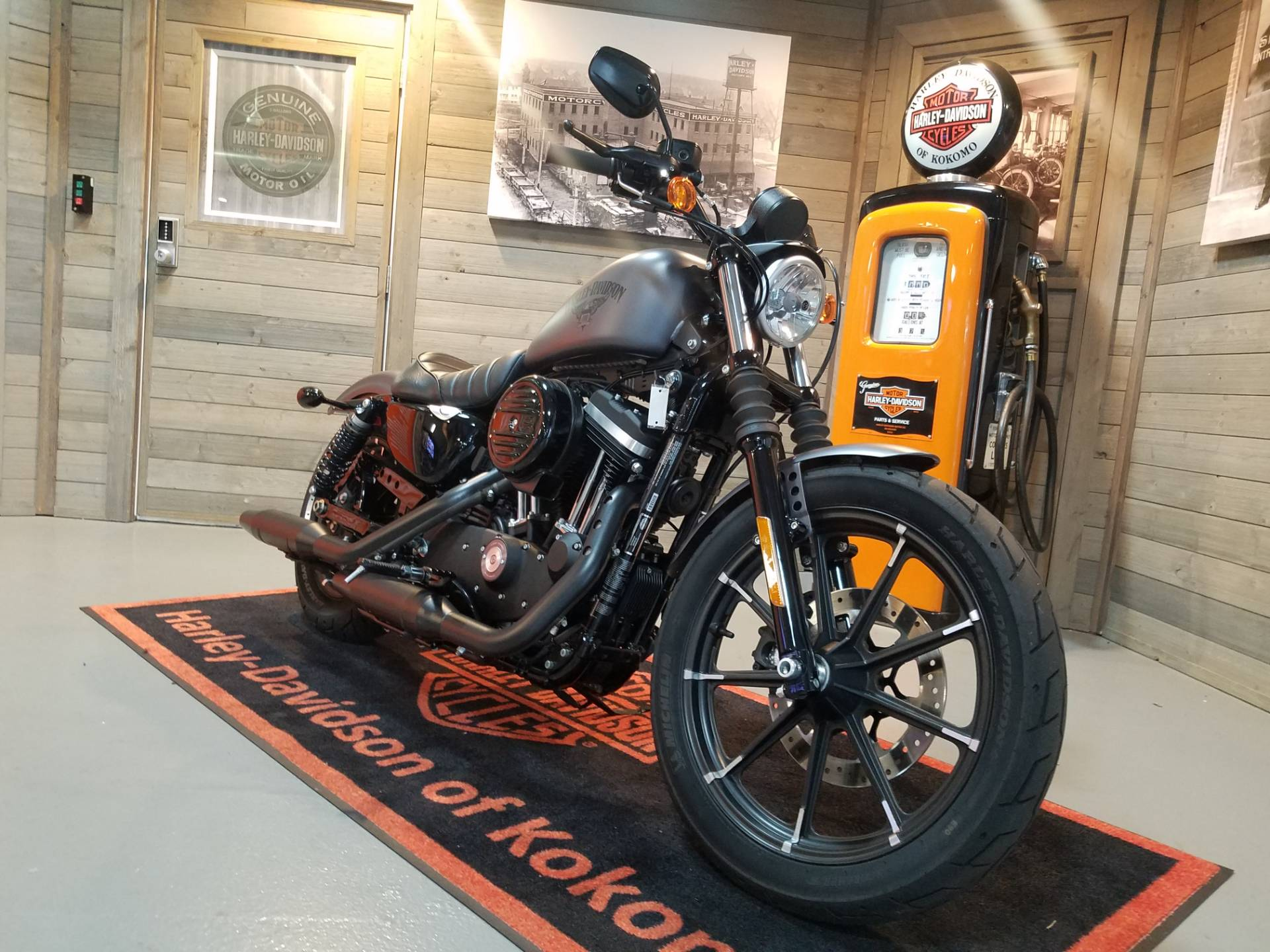 2017 Harley-Davidson Iron 883™ in Kokomo, Indiana - Photo 2