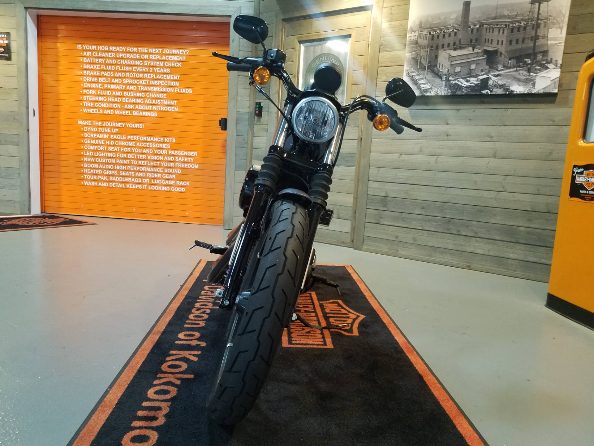 2017 Harley-Davidson Iron 883™ in Kokomo, Indiana - Photo 10