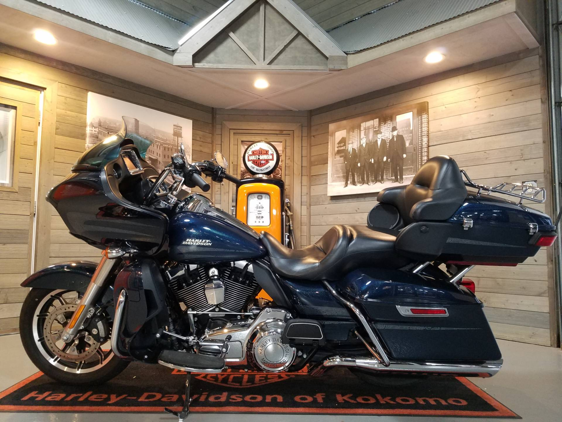 2016 Harley-Davidson Road Glide® Ultra in Kokomo, Indiana - Photo 7