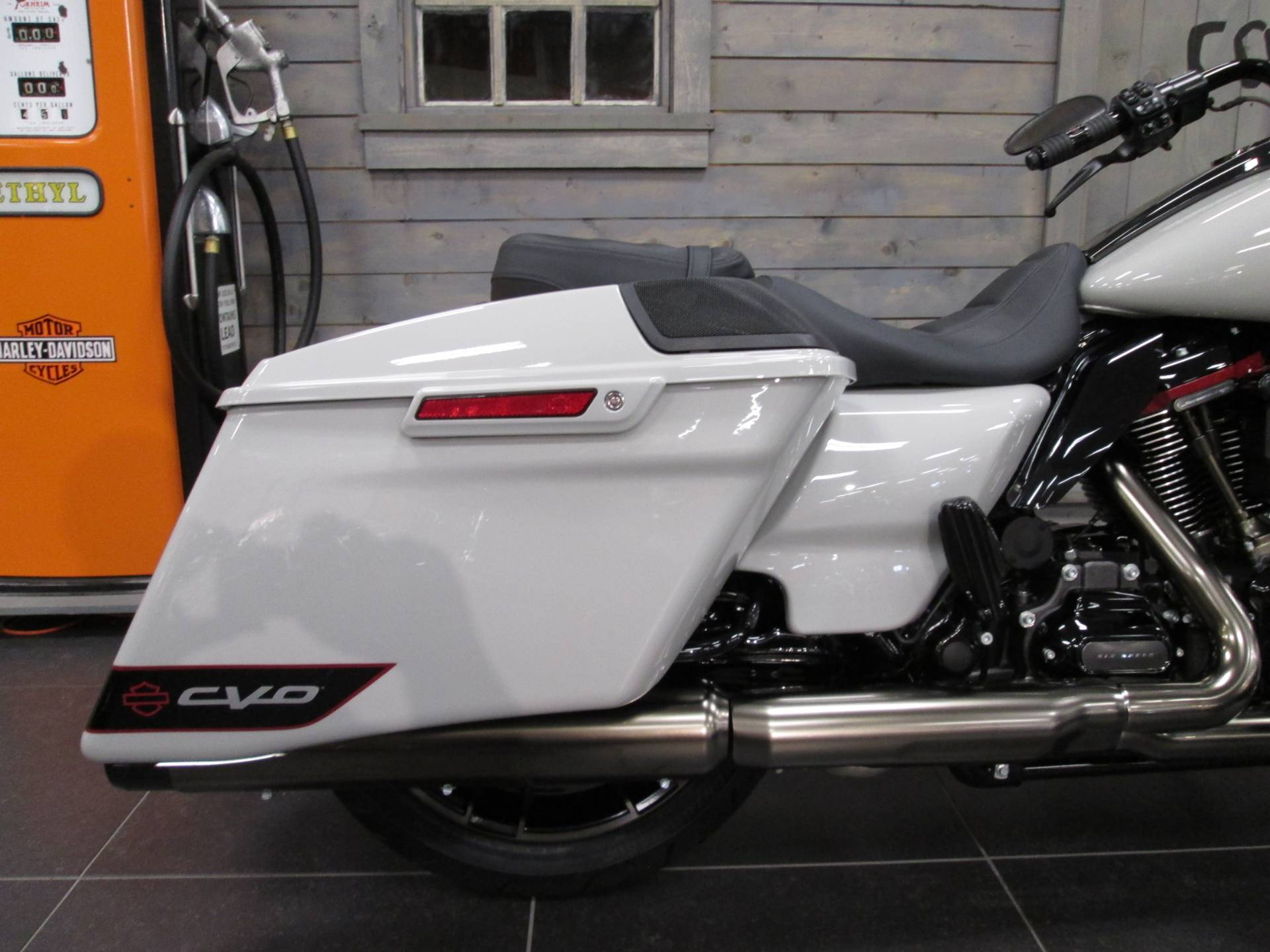 2020 Harley-Davidson CVO™ Road Glide® in Lafayette, Indiana - Photo 4