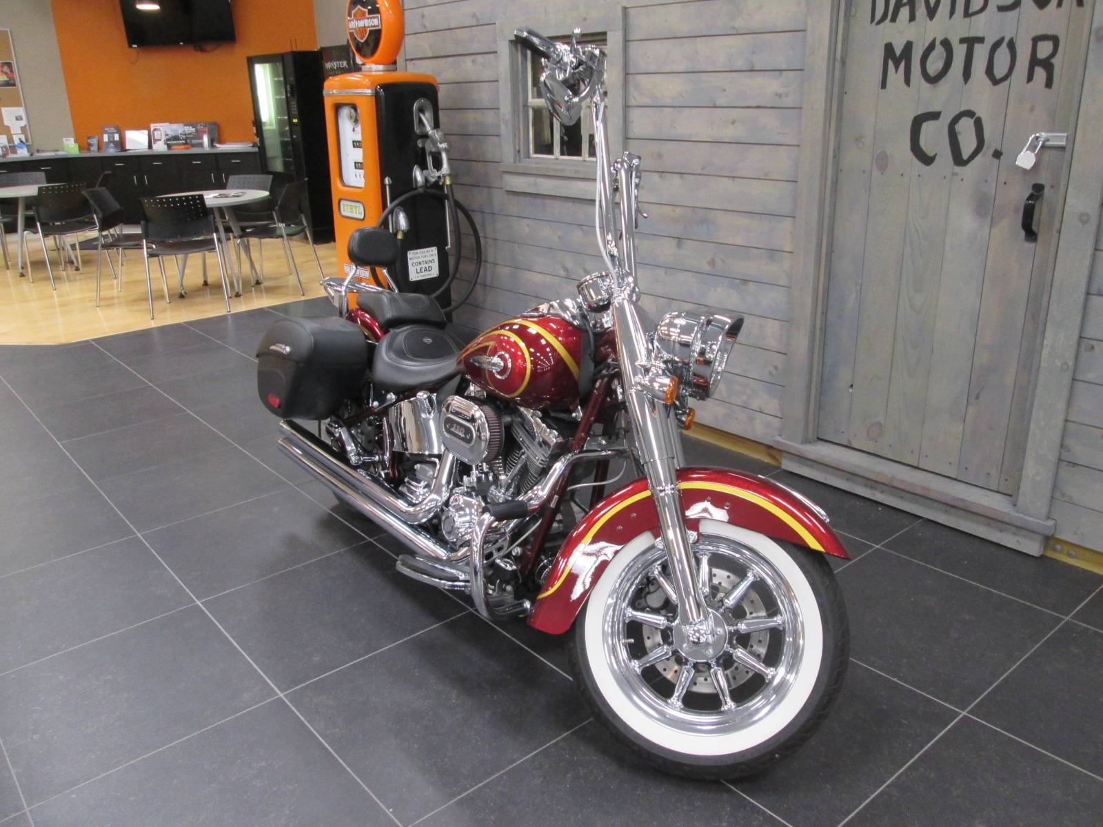 2014 Harley-Davidson CVO™ Softail® Deluxe in Lafayette, Indiana - Photo 7