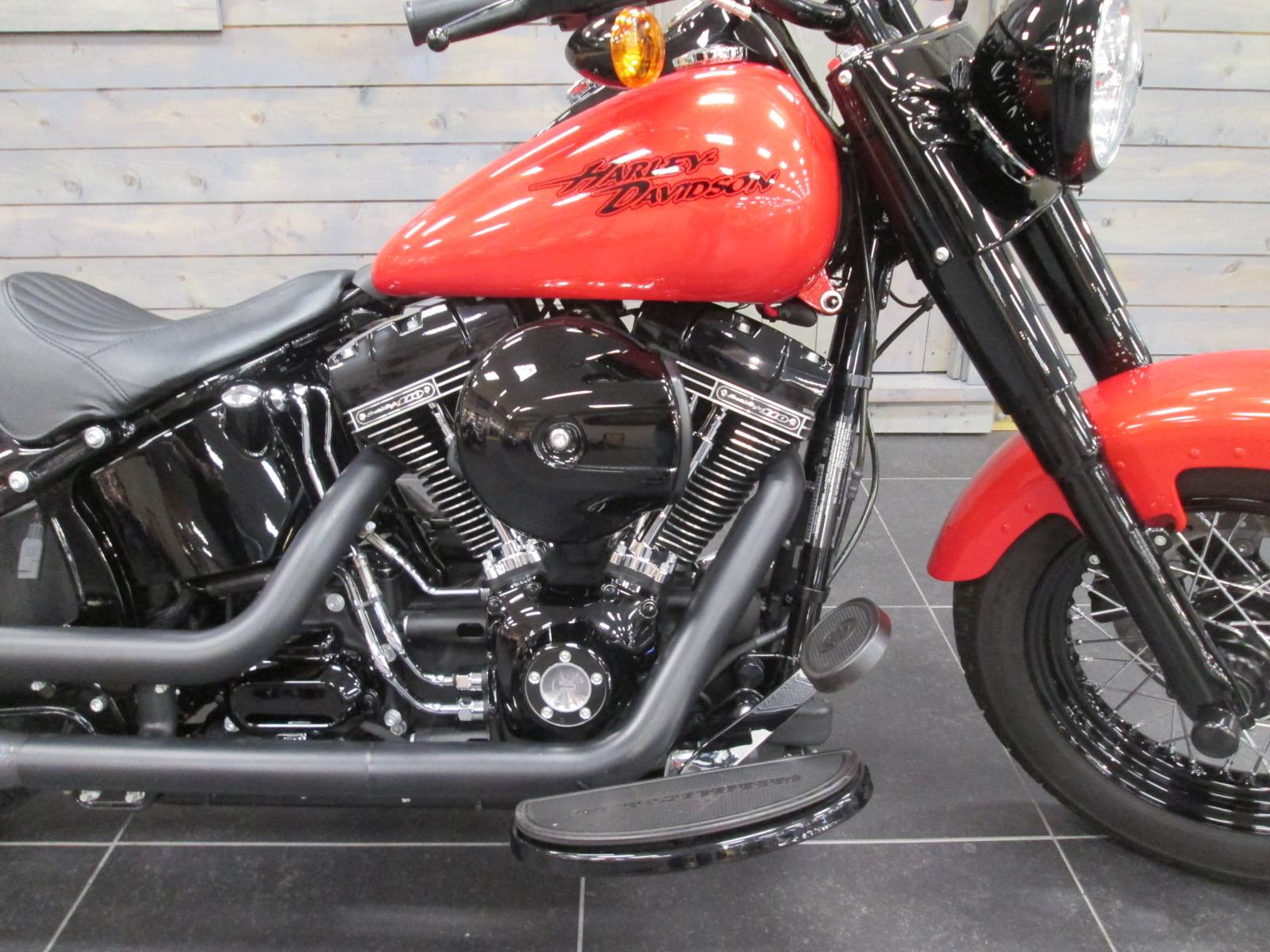 2016 Harley-Davidson Softail Slim® S in Lafayette, Indiana - Photo 2