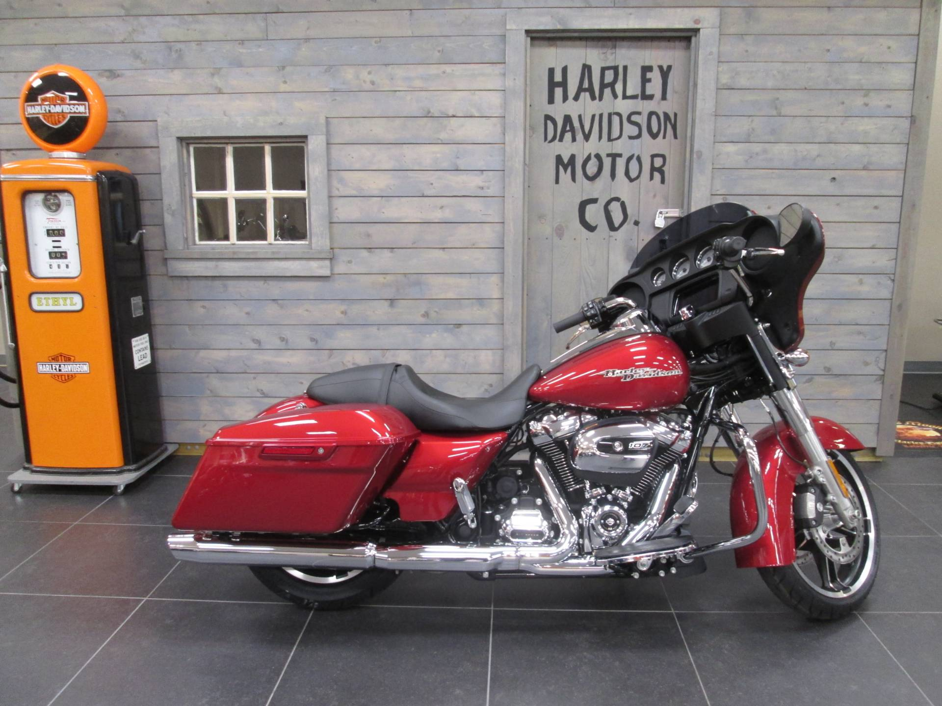 2019 Harley-Davidson Street Glide® in Lafayette, Indiana - Photo 1