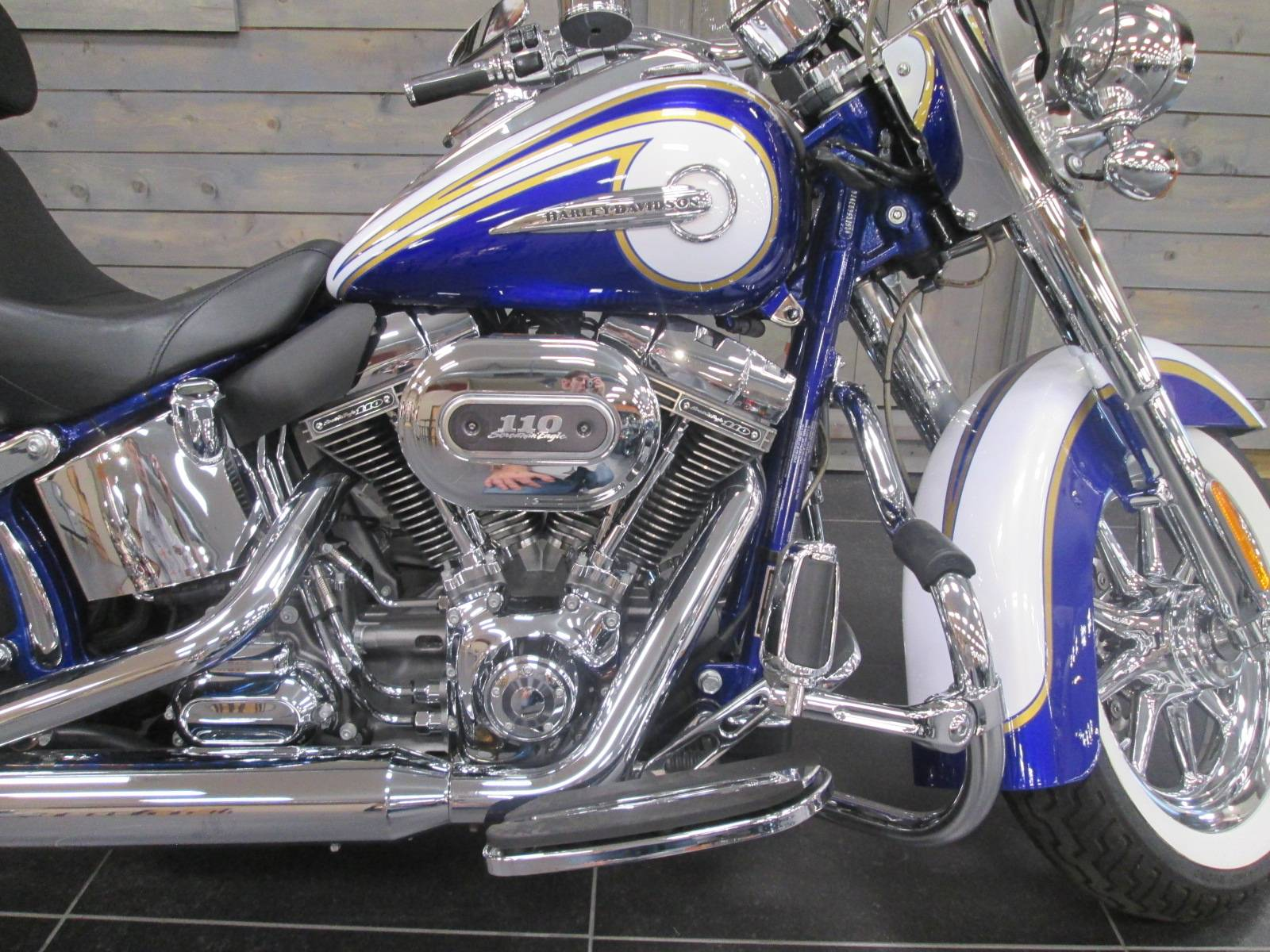 2014 Harley-Davidson CVO™ Softail® Deluxe in Lafayette, Indiana - Photo 2