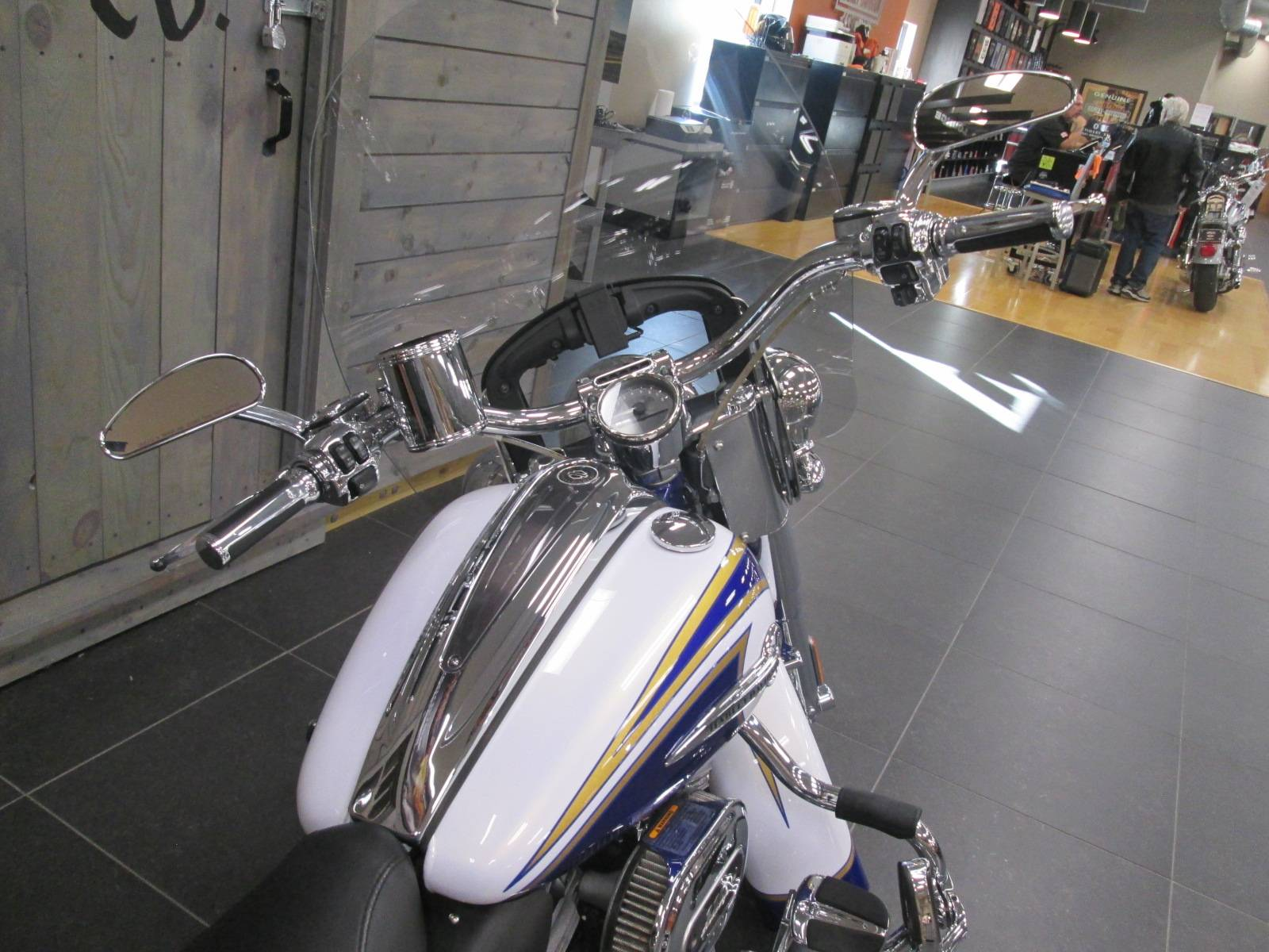 2014 Harley-Davidson CVO™ Softail® Deluxe in Lafayette, Indiana - Photo 4