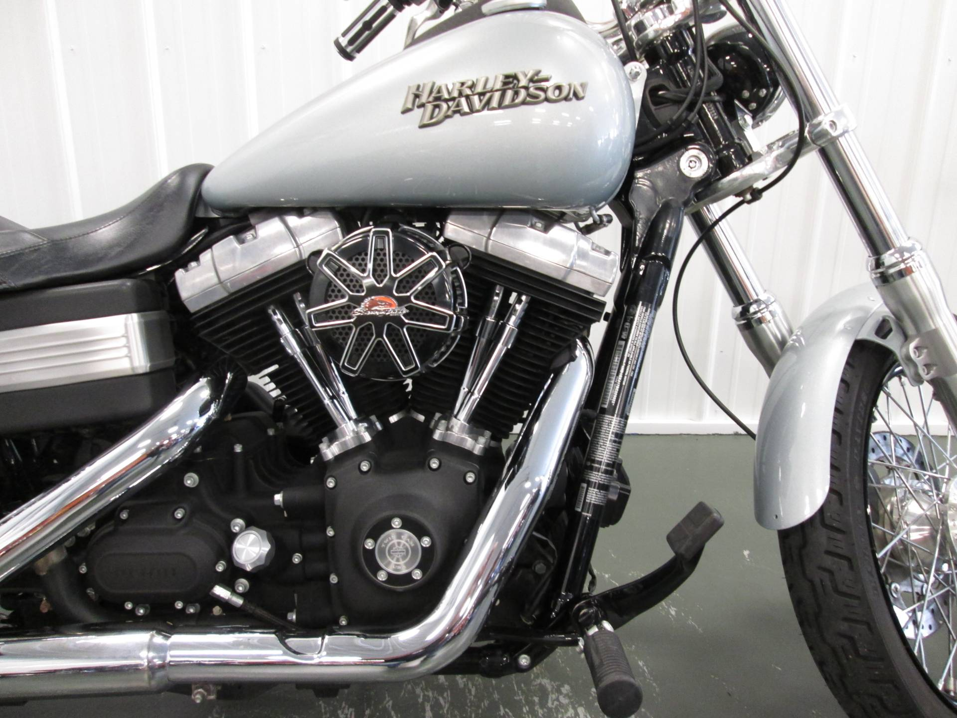 2011 Harley-Davidson Dyna® Street Bob® in Lafayette, Indiana - Photo 2