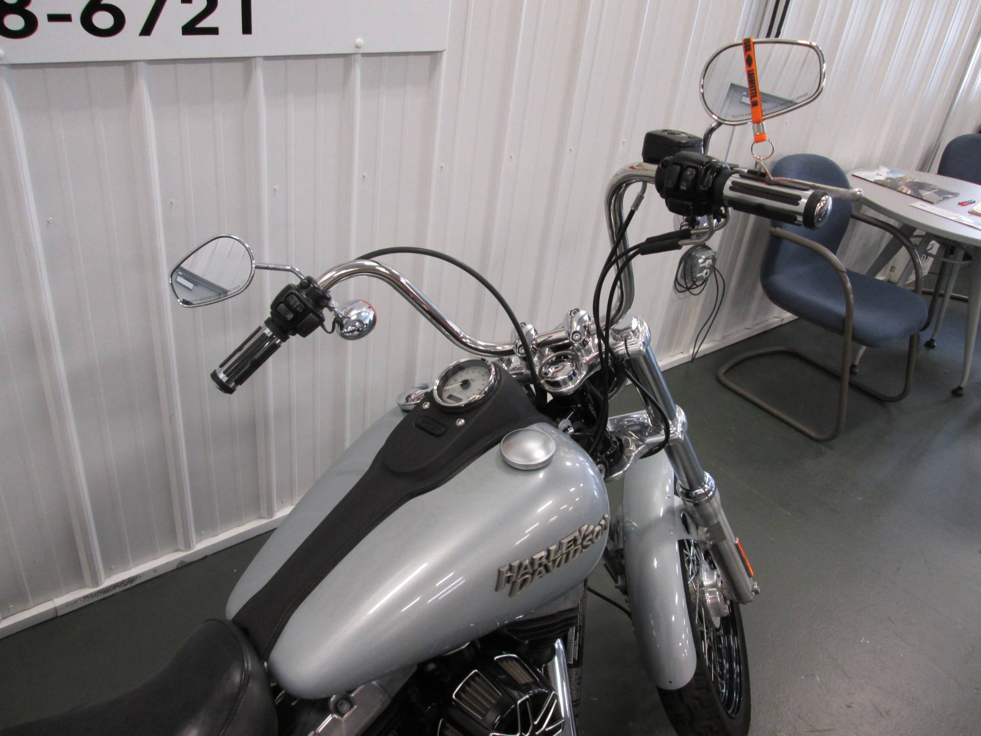 2011 Harley-Davidson Dyna® Street Bob® in Lafayette, Indiana - Photo 3
