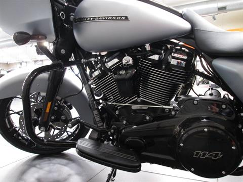 2020 Harley-Davidson Road Glide® Special in Lafayette, Indiana - Photo 5