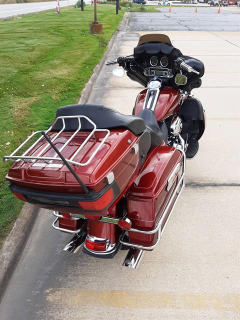 2010 Harley-Davidson Ultra Classic® Electra Glide® in Michigan City, Indiana - Photo 3