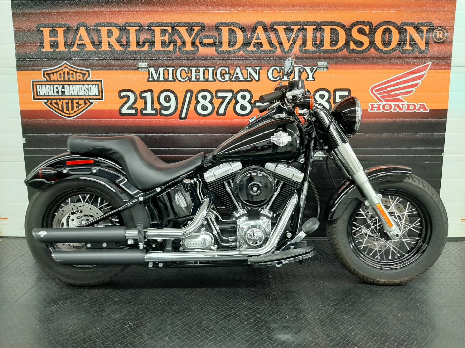 2015 Harley-Davidson Softail®Slim in Michigan City, Indiana - Photo 1