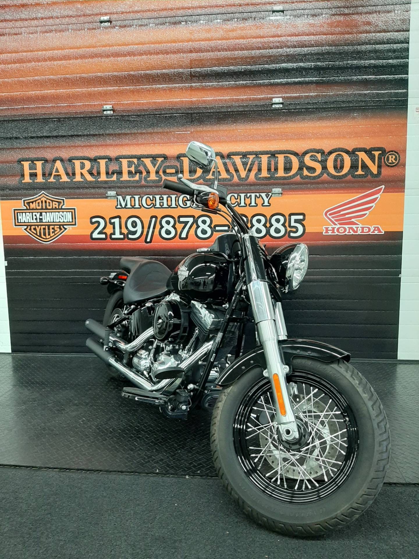 2015 Harley-Davidson Softail®Slim in Michigan City, Indiana - Photo 2