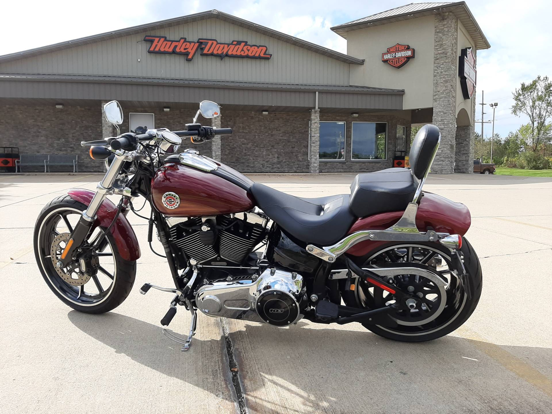 2016 Harley-Davidson Breakout® in Michigan City, Indiana - Photo 2