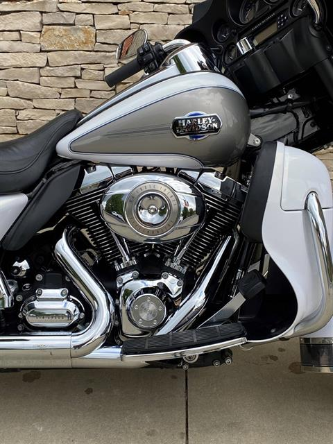 2009 Harley-Davidson Ultra Classic® Electra Glide® in Bloomington, Indiana - Photo 2