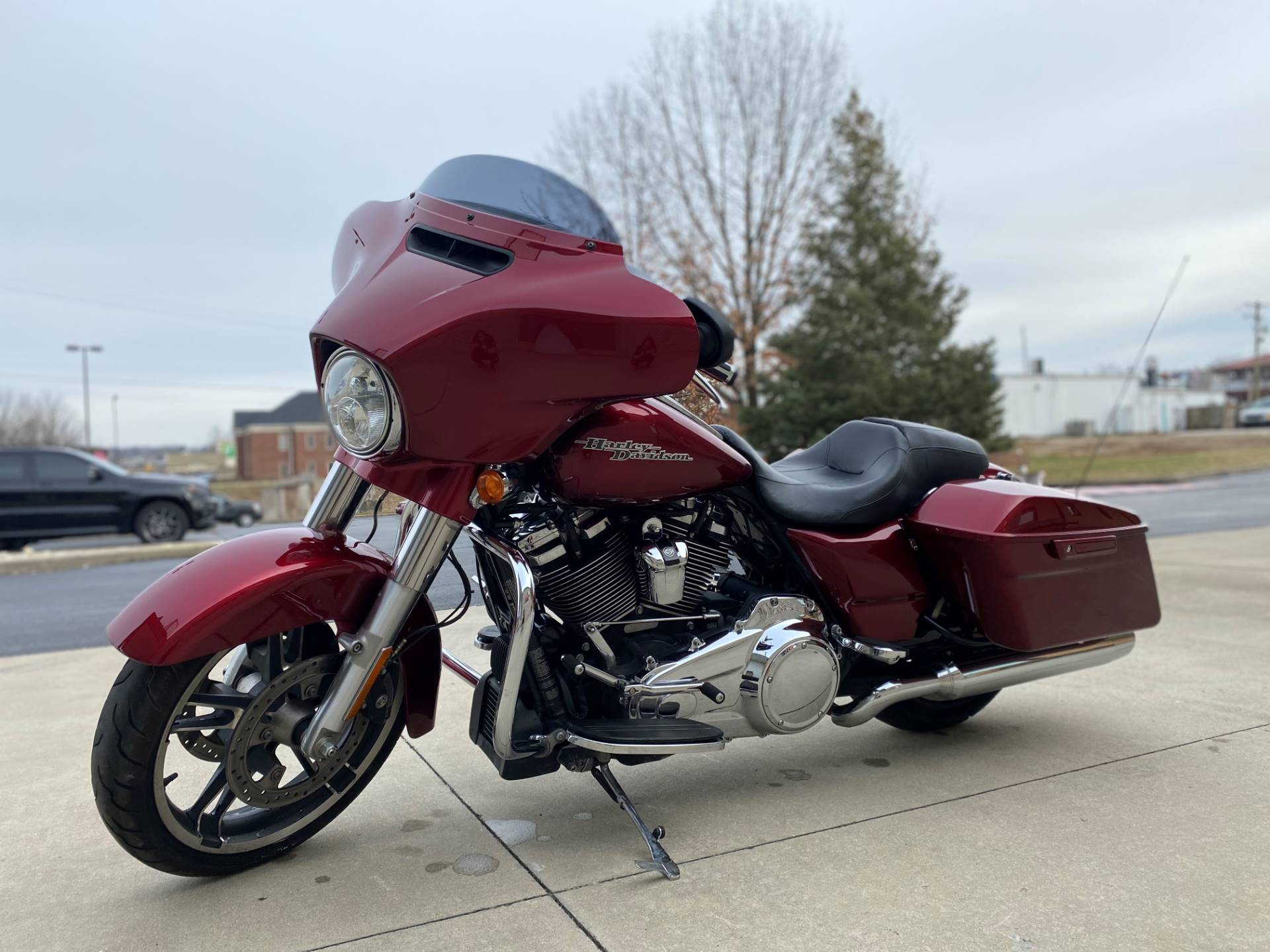 2017 Harley-Davidson Street Glide® Special in Bloomington, Indiana - Photo 9