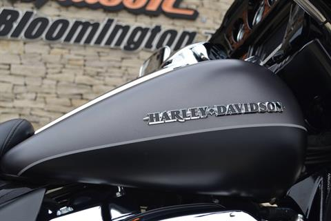2017 Harley-Davidson Ultra Limited in Bloomington, Indiana - Photo 3