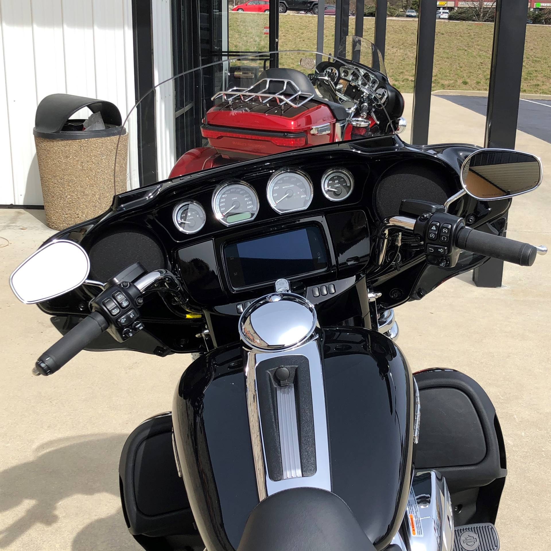 2019 Harley-Davidson Ultra Limited in Bloomington, Indiana - Photo 6