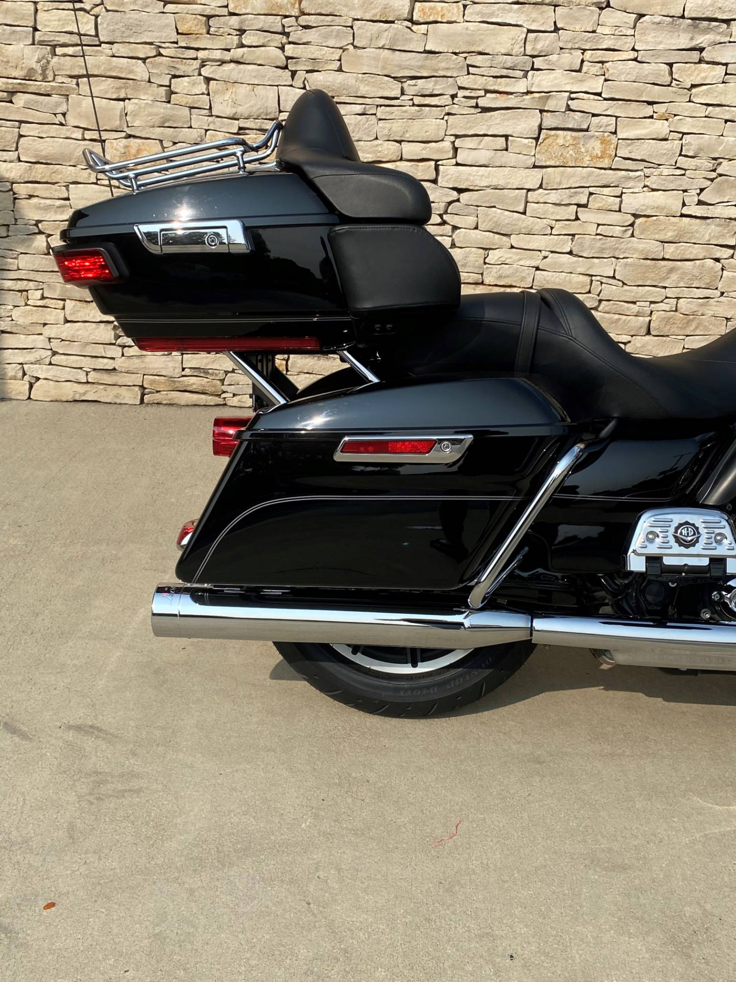 2016 Harley-Davidson Road Glide® Ultra in Bloomington, Indiana - Photo 3