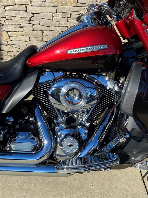 2012 Harley-Davidson Electra Glide® Ultra Limited in Bloomington, Indiana - Photo 2