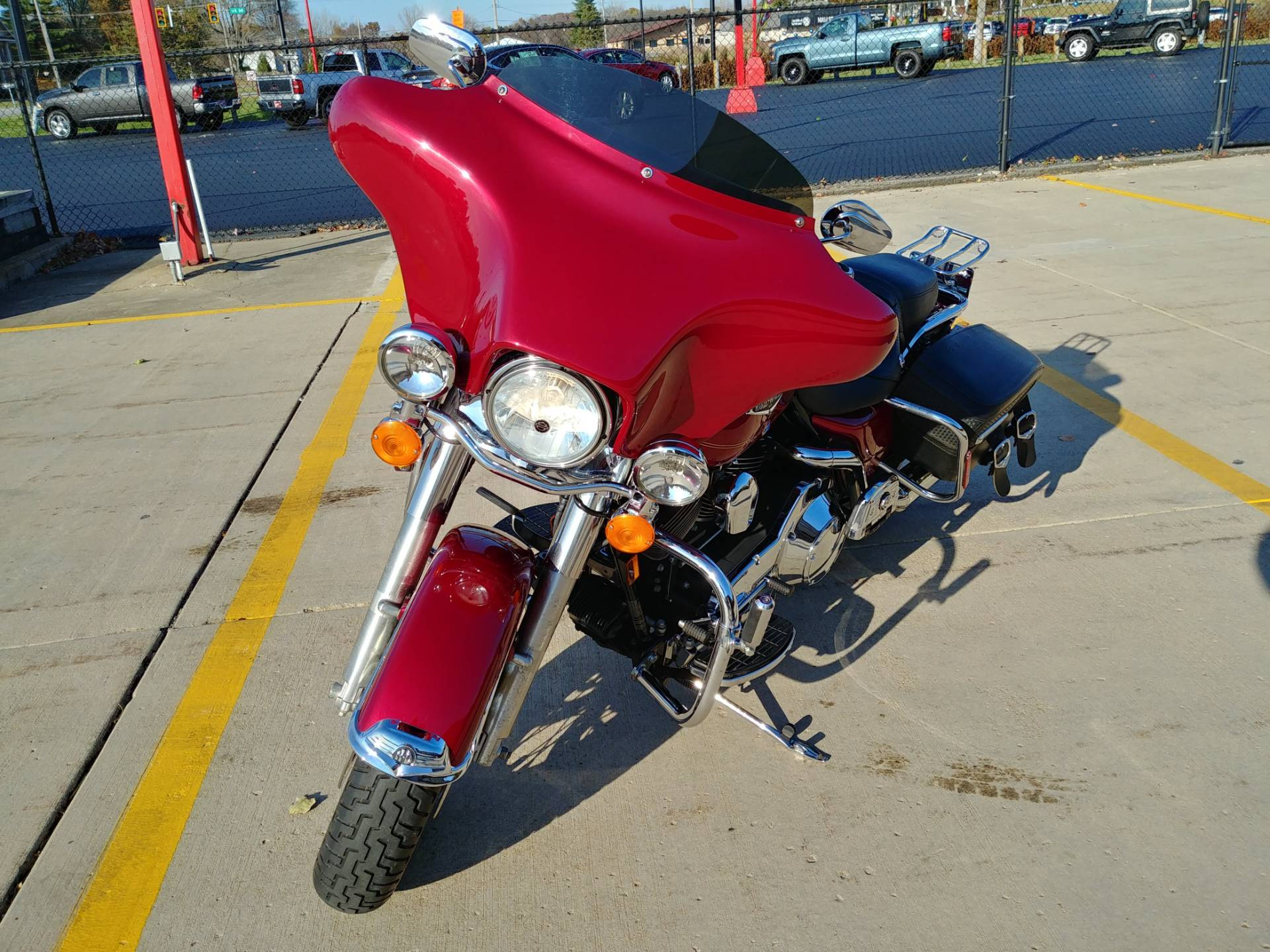 2005 Harley-Davidson FLHRCI Road King® Classic in Valparaiso, Indiana - Photo 2