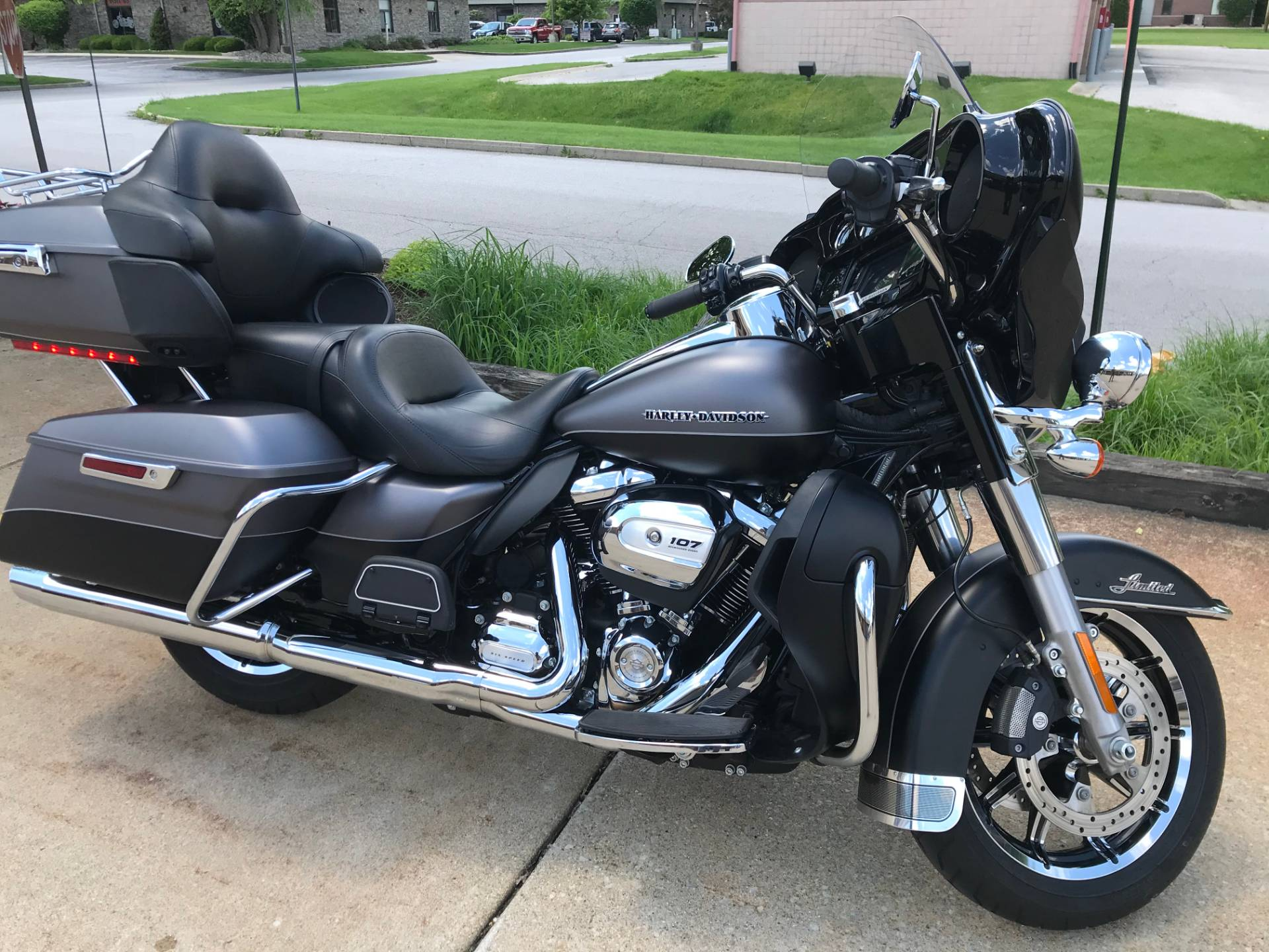 2017 Harley-Davidson Ultra Limited in Valparaiso, Indiana - Photo 2