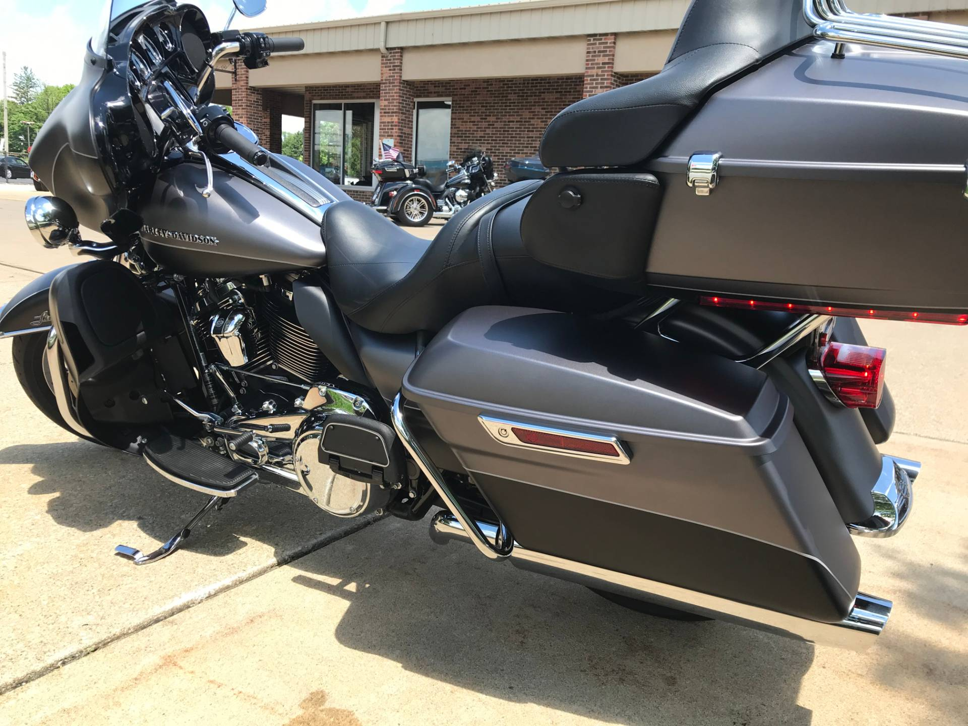 2017 Harley-Davidson Ultra Limited in Valparaiso, Indiana - Photo 5
