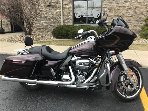 2017 Harley-Davidson Road Glide® Special in Valparaiso, Indiana - Photo 2