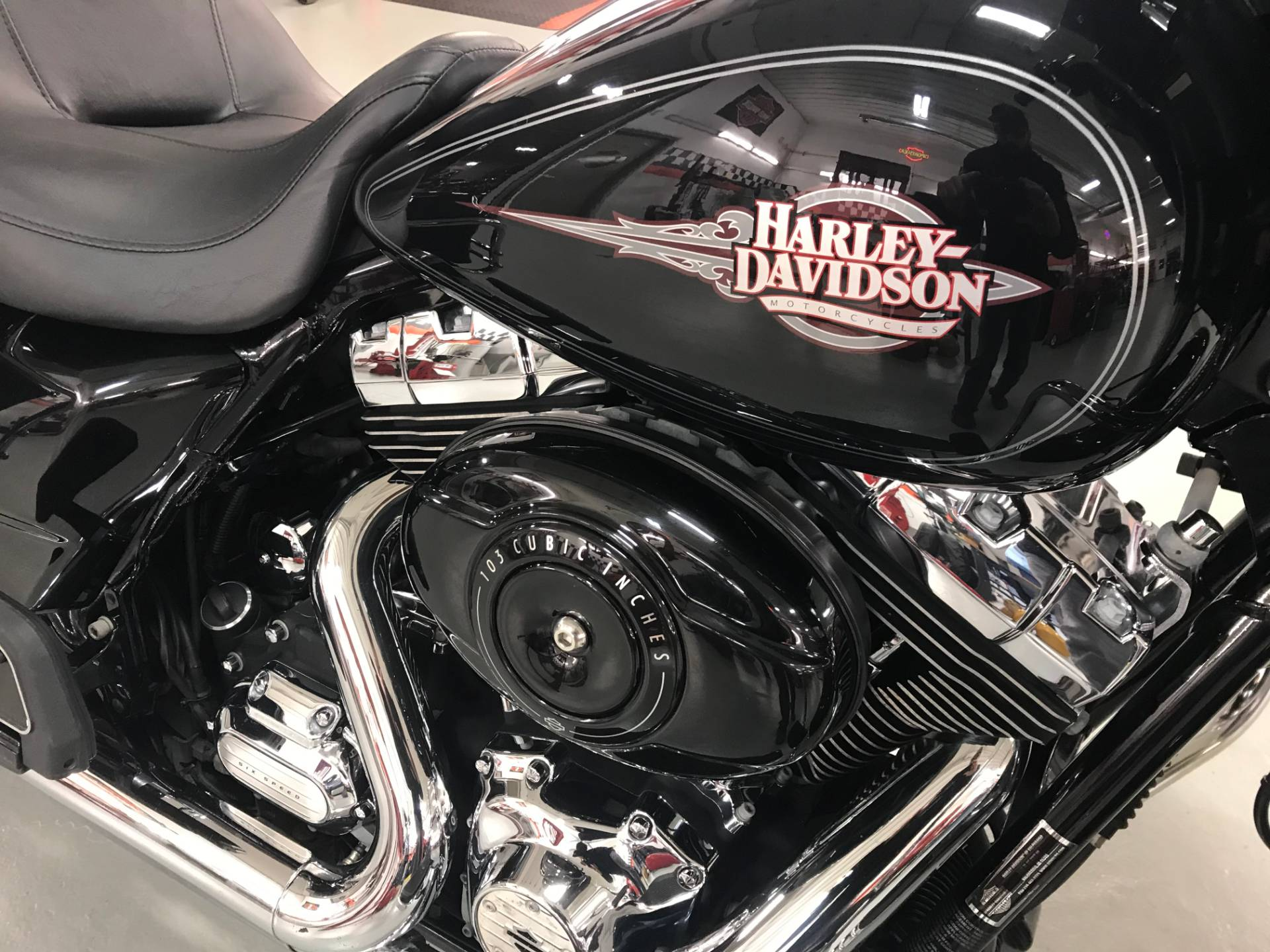 2012 Harley-Davidson Electra Glide® Classic in Valparaiso, Indiana - Photo 2
