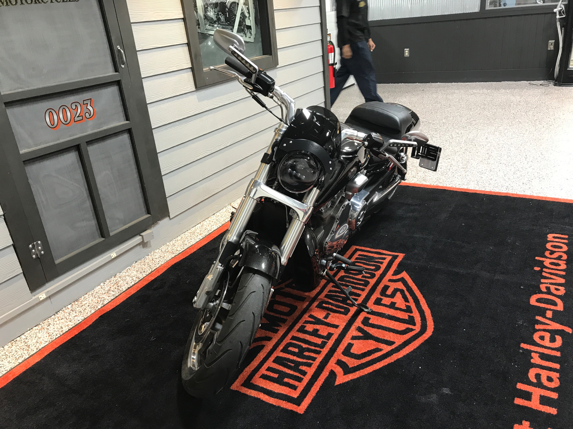2015 Harley-Davidson V-Rod Muscle® in Plainfield, Indiana - Photo 5