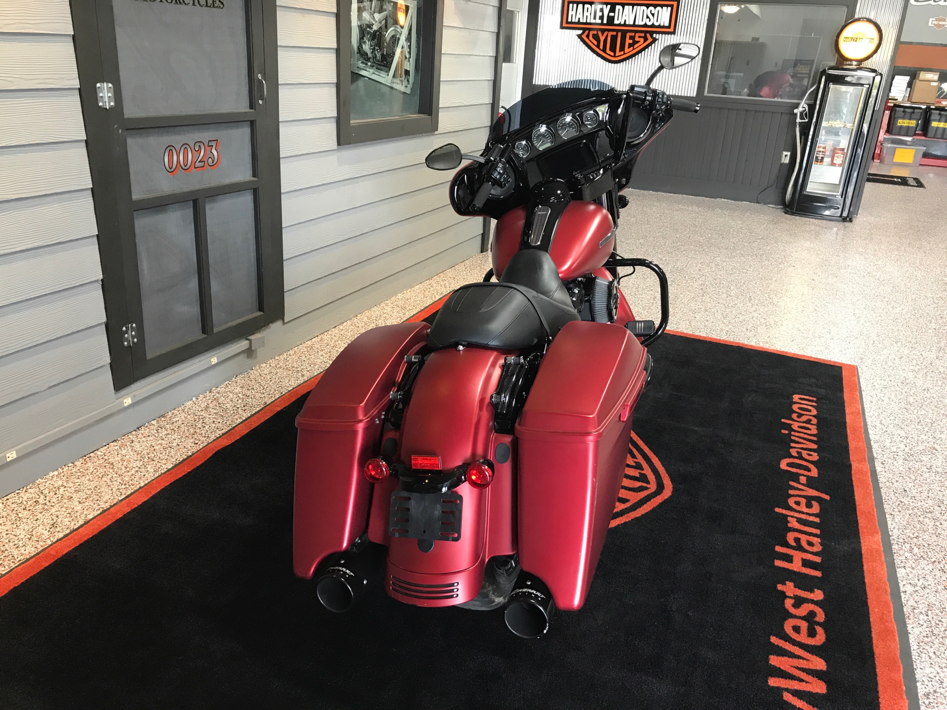 2019 Harley-Davidson Street Glide® Special in Plainfield, Indiana - Photo 4