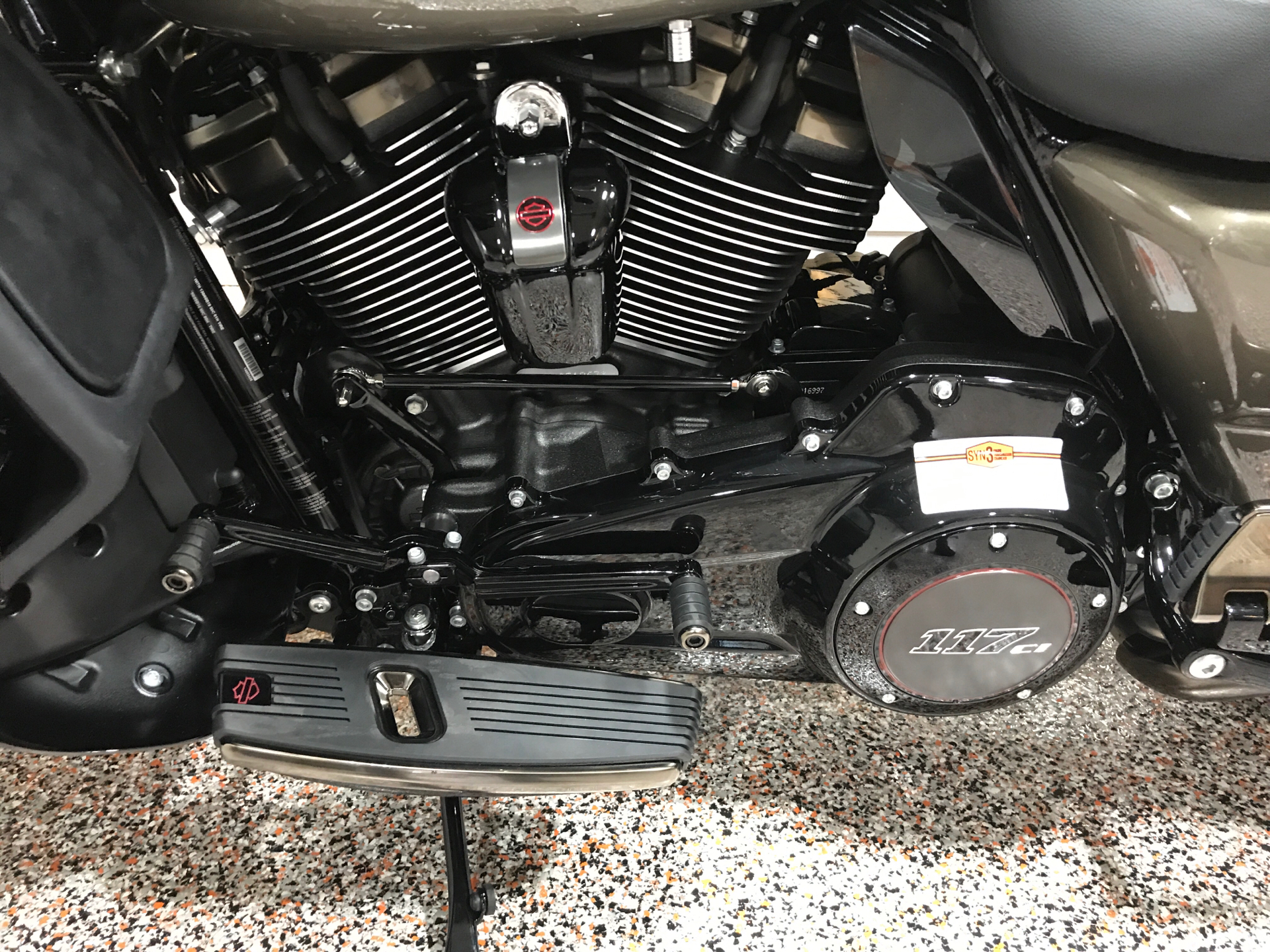 2021 Harley-Davidson CVO™ Limited in Plainfield, Indiana - Photo 8