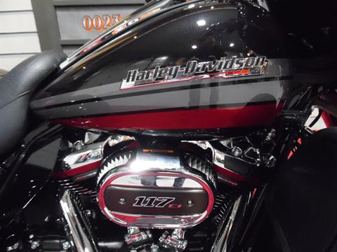 2020 Harley-Davidson CVO™ Tri Glide® in Plainfield, Indiana - Photo 3