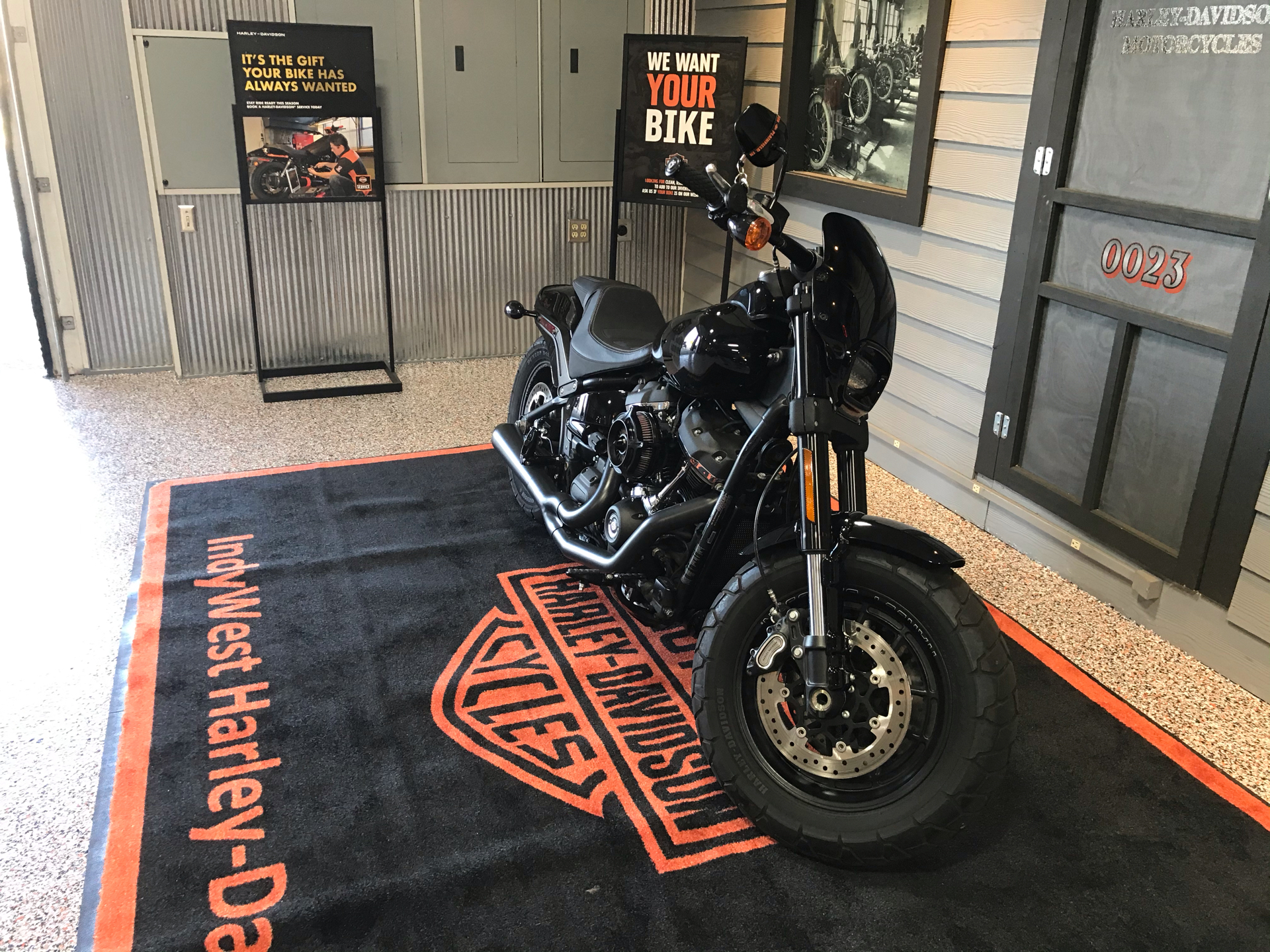 2018 Harley-Davidson Fat Bob® 107 in Plainfield, Indiana - Photo 6