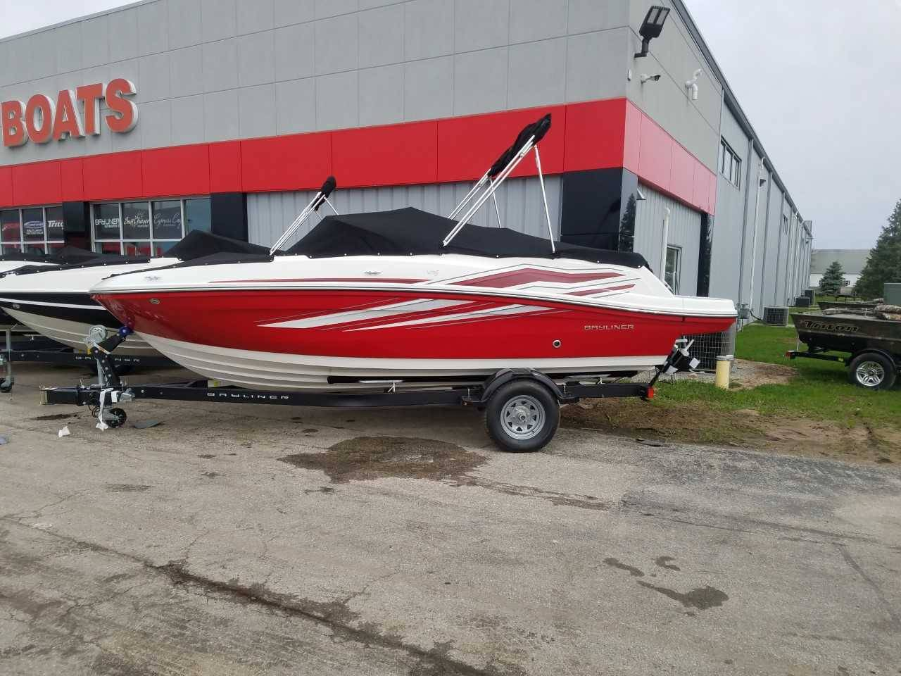 2019 Bayliner VR5 Bowrider I/O in Kaukauna, Wisconsin - Photo 1