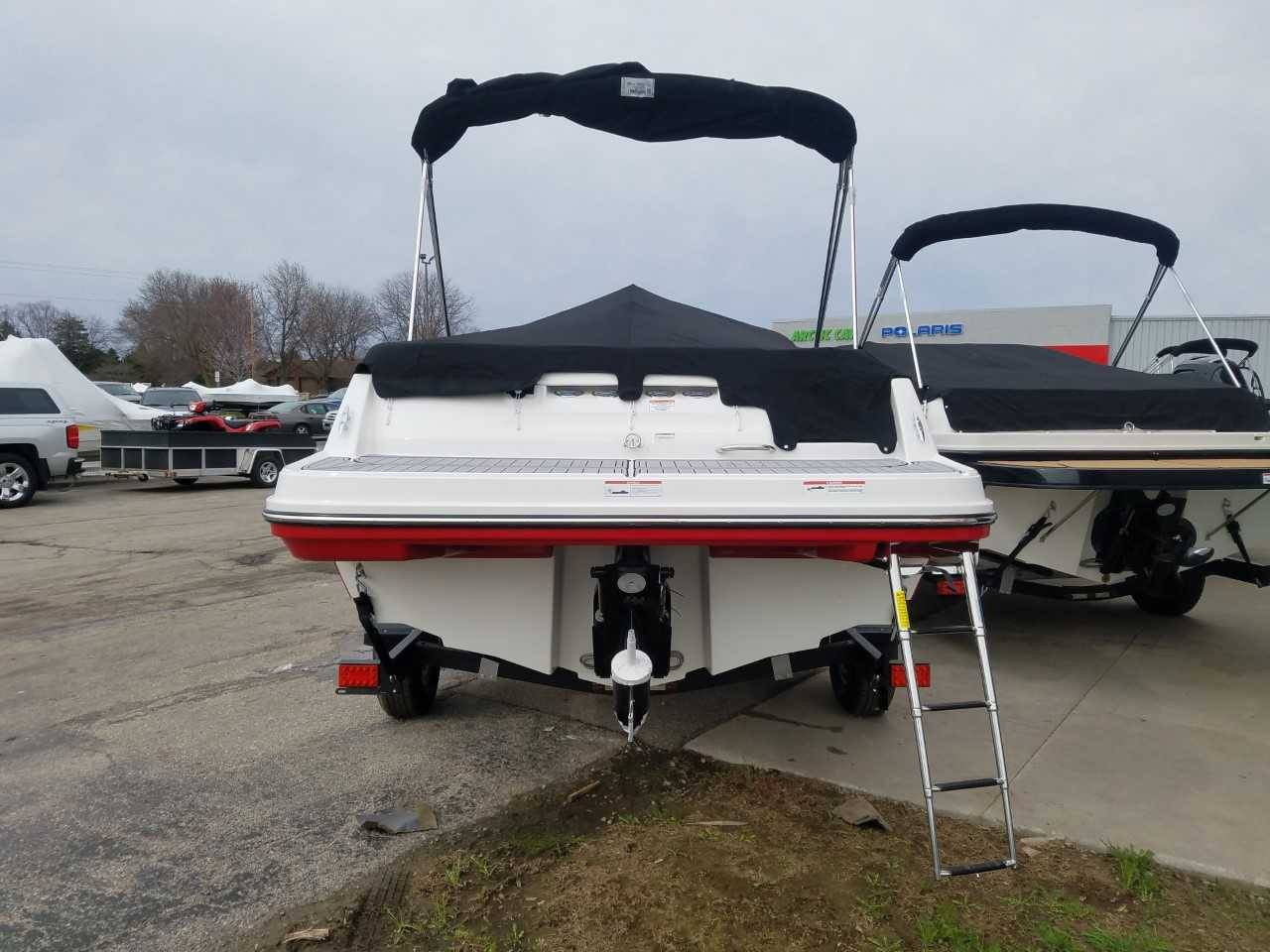 2019 Bayliner VR5 Bowrider I/O in Kaukauna, Wisconsin - Photo 3