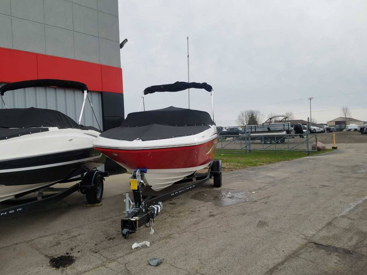 2019 Bayliner VR5 Bowrider I/O in Kaukauna, Wisconsin - Photo 2