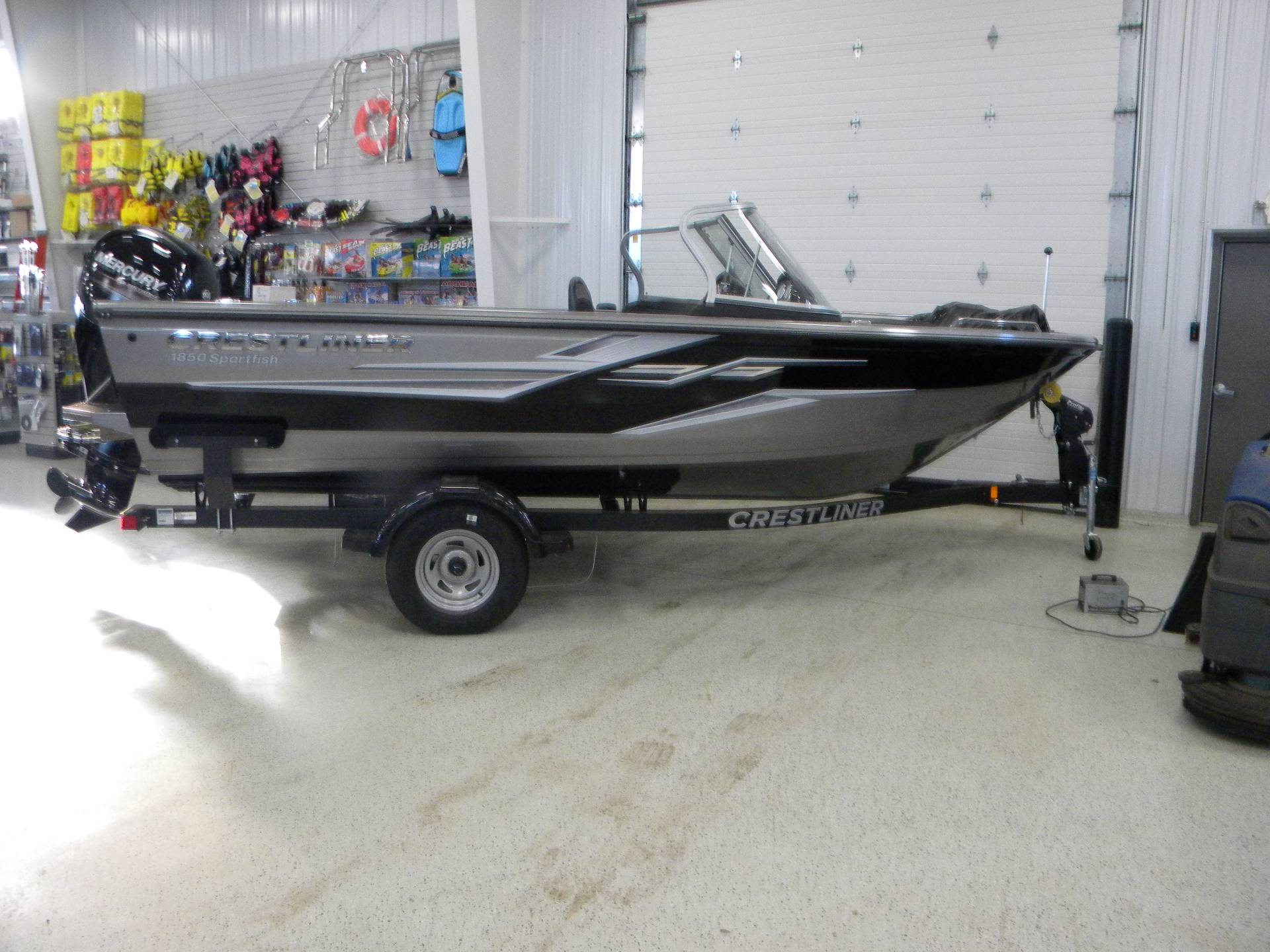 2019 Crestliner 1850 Sportfish Outboard in Kaukauna, Wisconsin - Photo 1